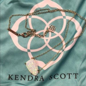 Kendra Scott opal necklace🤩❤️